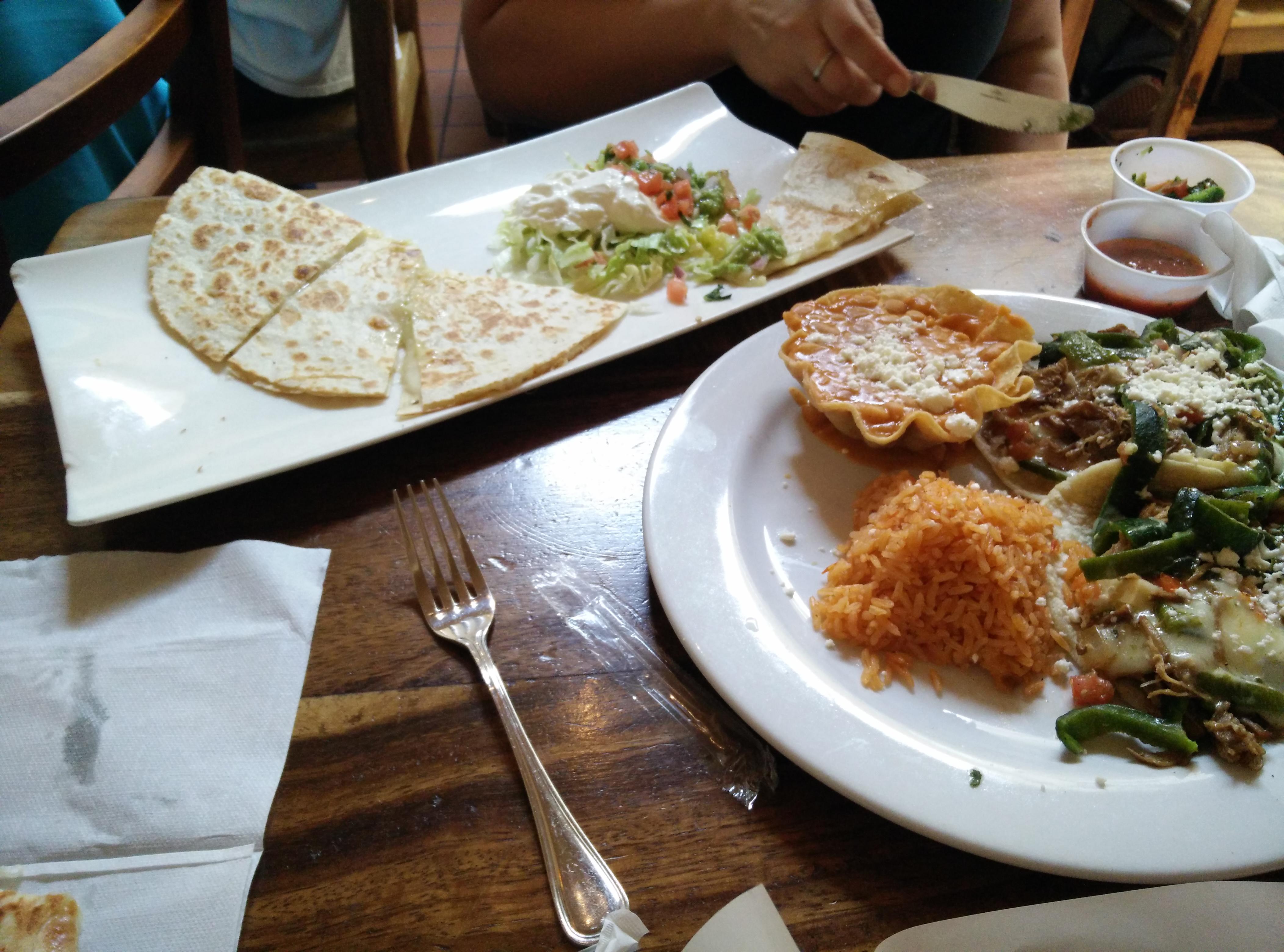 Tacos & Quesedilla